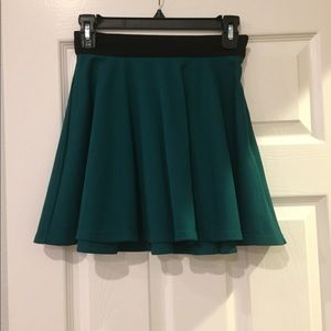 Forever 21 emerald green skirt size Small XS